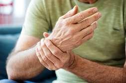 Артропелин облегчает состояние при артрозе, артрите, остеохондрозе.